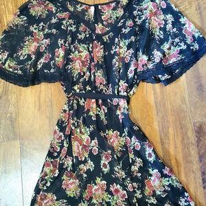 • Floral Dress • (pockets)